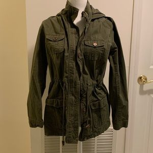Army green light weight jacket.